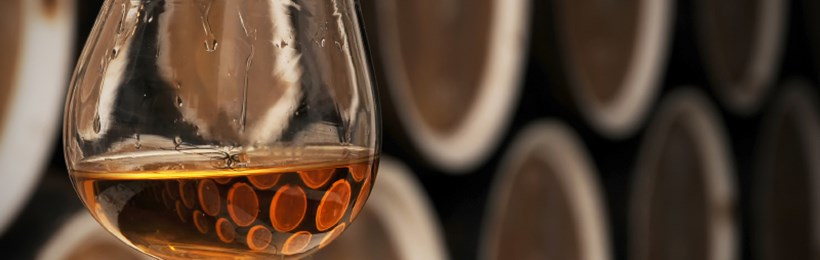 Whisky glass and casks